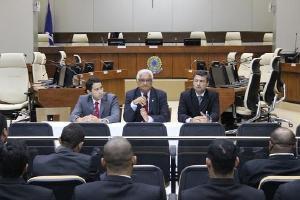 Justiça reitera prerrogativa do CFM de validar novos procedimentos