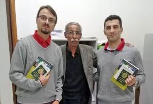 Novos médicos recebem carteira profissional em Rio Negro e em Curitiba