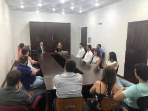 Novos médicos recebem carteiras profissionais em Maringá, Paranavaí e Curitiba