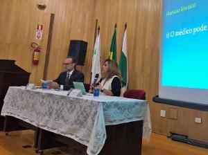 Delegacia Regional do CRM-PR em Maringá realiza palestra sobre direitos e deveres no plantão médico