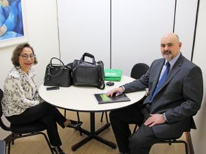 CRM-PR recebe visita de nova superintendente do HU de Maringá