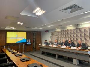 Audiência pública na Comissão de Direitos Humanos do Senado debate desafios do SUS