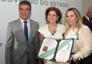 Profissionais da Saúde recebem medalha de mérito da Casa Militar