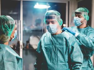 Canal visa melhorar condições de trabalho e proteger médicos do estresse, fadiga e Burnout