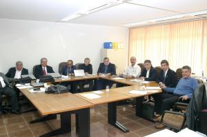 Câmara Técnica de Medicina Legal reunida no CFM