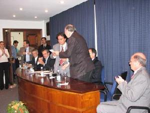 Ministro da Saúde assume compromissos na AMB