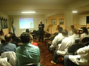 Segundo secretário ministra curso em Ponta Grossa