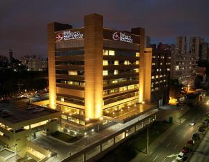 Hospital de Curitiba usa telemedicina para atender gratuitamente pacientes sob suspeita