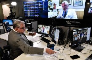 Senado Federal homenageia médicos brasileiros em sessão especial solene