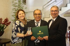 Dois médicos de Francisco Beltrão distinguidos com o Diploma de Mérito Ético