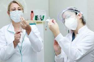 Maringá inicia nesta sexta (5) vacinação de profissionais de saúde com mais de 70 anos