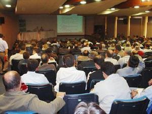 Médicos cooperados da Unimed Curitiba aprovam reforma estatutária