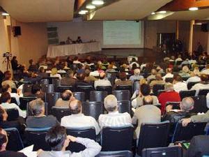 Assembléia da Unimed Curitiba reúne mais de 200 médicos na sede do Conselho