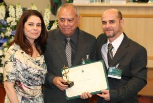 Pesar: médicos Waldomiro Luiz Rodrigues (CRM-PR 1.475) e Silvio Augusto Zacarias (CRM-PR 12.987)